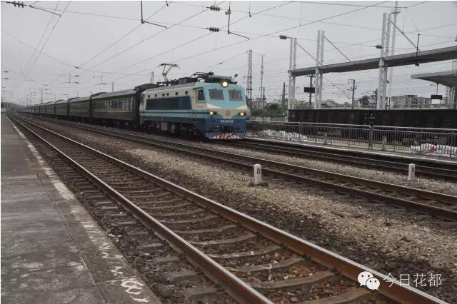 州北站东侧下穿武广高铁和京广铁路,下穿区域为广州北站站场区域